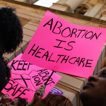 [重发] 在德州最严苛的堕胎法上路之际,回顾和纪念大法官金斯伯格